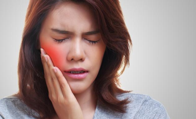 swollen-gums-diabetes-signs