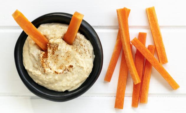 hummus-carrot-diabetes-snacks