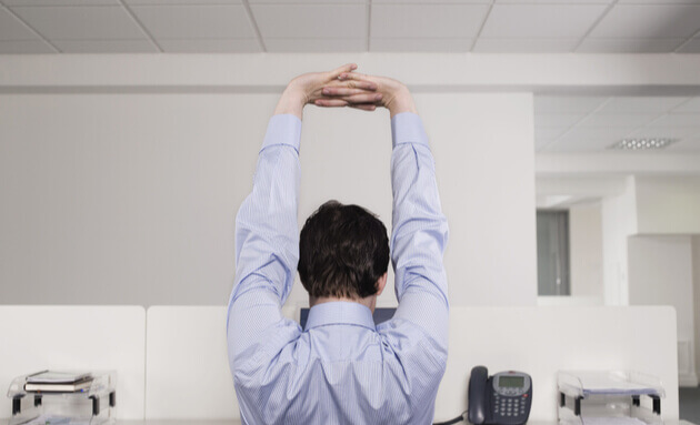 stretching-at-work-arthritis