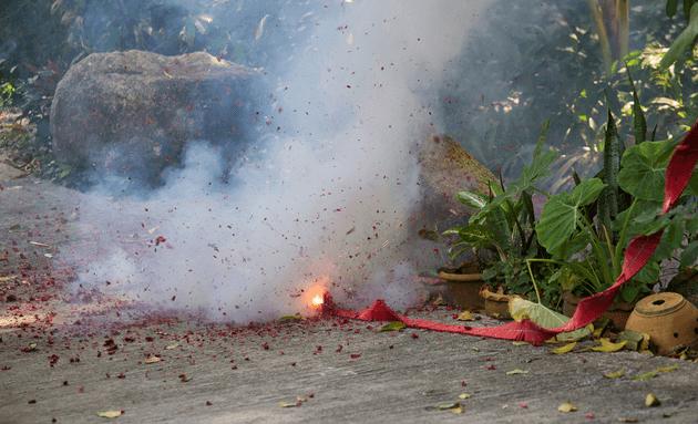 Firecracker-causes-air-pollution